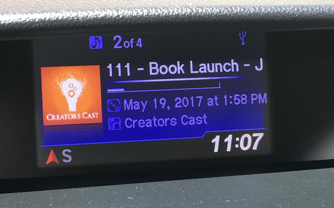Hanging out with writing friend while I run errands. @jamicrumpton1 @kingscottking