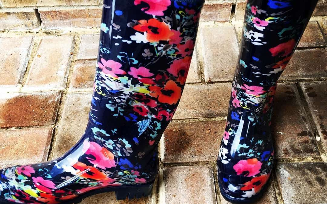First fall storm means it's time to break in the new rain boots! What do you think of them? Not exactly subtle, are they?❤️?